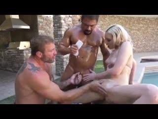 Bisex Bareback Arielle Aquinas, Colby Jansen and Draven Navarro