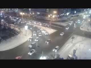 Паровозик из 5 машин на съезде с Коммунального моста