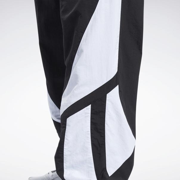 Спортивные брюки Classics Twin Vector image 4