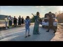 Девушка И Дети Танцуют Классно На Мосту На Кавказе Лезгинка Чеченская Ловзар Хит 2020 ALISHKA RAINA