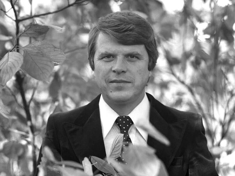 На 83-м году скончался актер, сценарист и народный артист России Михаил Кокшенов, сообщила в Facebook поэтесса Любовь Воропаева.