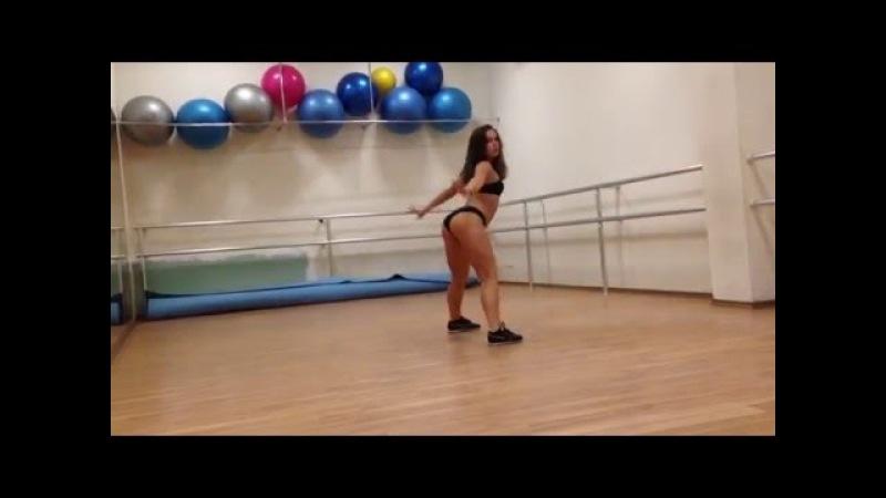 Twerk in Dance Hall ToRy
