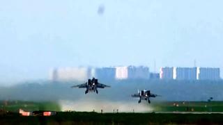 Аэродром Курск-Восточный, UUOK. Взлет пары МиГ 31БМ. (автор - Александр Гуторов)