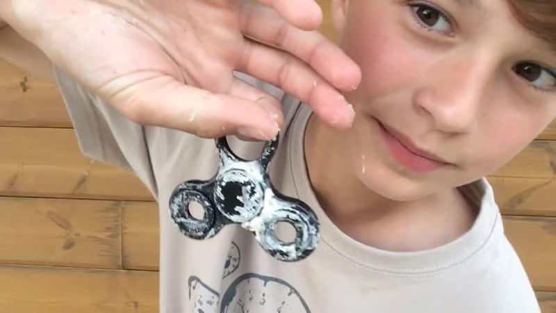 Hand spinner VS eaux farine savon