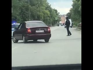 В Азове эвакуировали клиентов и сотрудников одного...