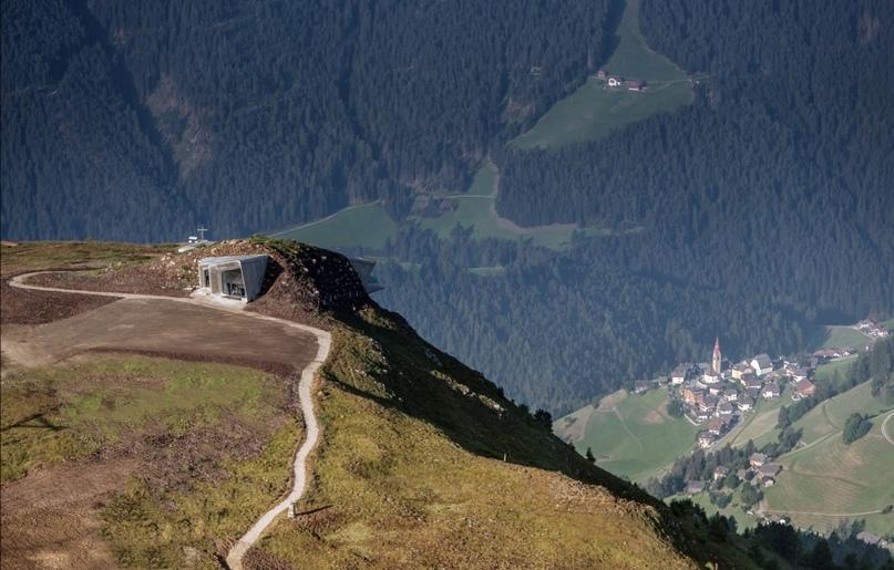 Лучше гор может быть только музей с видом на горы, изображение №6