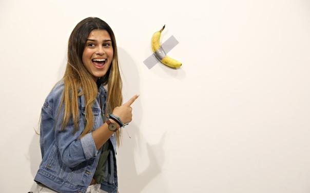 На выставке Art Basel в Майами продали работу за $120 тысяч, но один из посетителей ее съел. Это банан, приклеенный к стене