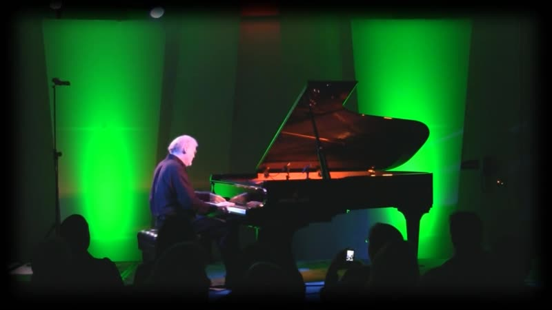 David_Nevue_-_quot_Overcome_quot_-_Performed_Live_the_2017_Whisperings_quot_All-Star_quot_Concert_1920x1080