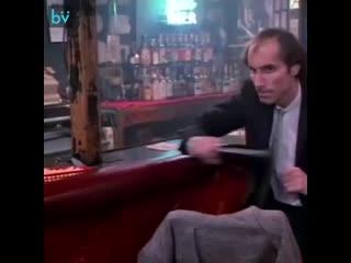"""Сериал """"sledge hammer!"""" 1986-1988 хорошая пародия на все детективы до и после. эпизод из 16 серии."""