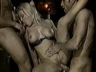 Элен и Мишель Амстердамские приключения / Helen and Michelle`s Amsterdam Adventure (1996)