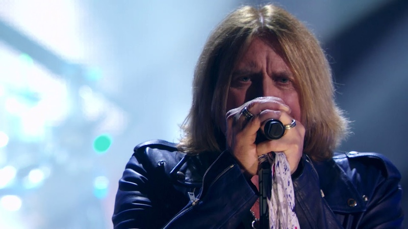 Def Leppard perform Photograph at the 2019 Rock Roll Hall of Fame Induction Ceremony