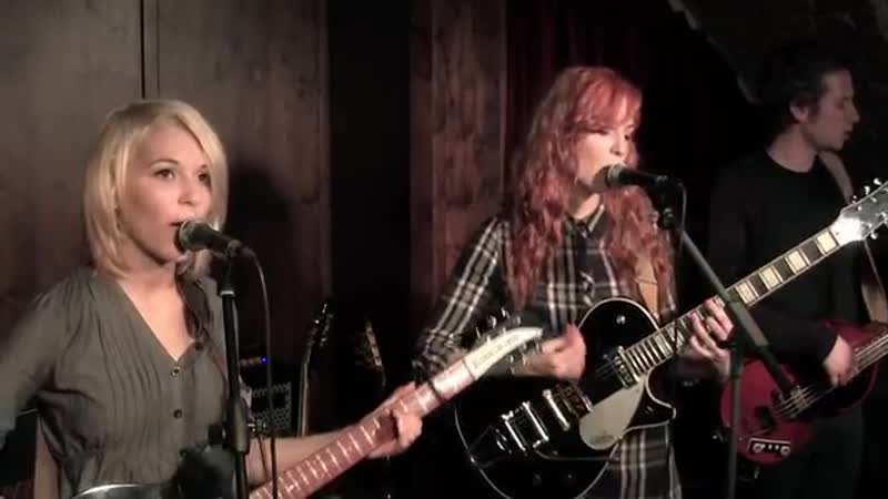MonaLisa Twins - I Saw Her Standing There (The Beatles cover)