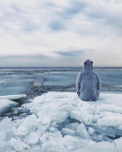 этим картинки человек на льдине объектив