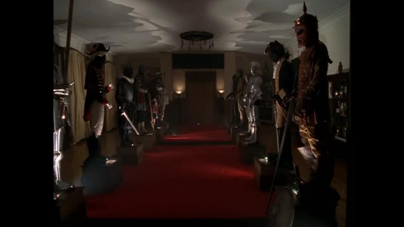 Ожившие доспехи нападают на Такера Отрывок из сериала Боишься ли ты темноты