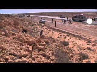 Война в Ливии.Оппозиция вынуждена отдавать города Каддафи и отступать вглубь страны..