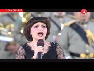 наш гимн поет Миррей Матье аж слезы наворачиваются