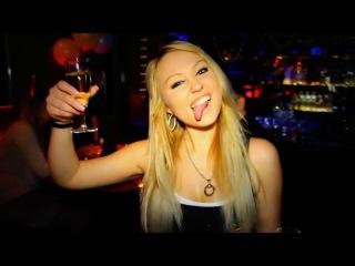 Новогодняя вечеринка в бару Harley / теги: Клубы Бары Самые большие Лучшие в Праге Чехии дискотека тусовка ночная жизнь развлечения вечер вечеринки развлечся стрип клуб стриптиз танцы