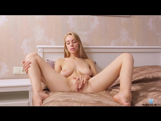 Marie (aka izabella)tall and thin [erotic, solo, big boobs] [1080p]