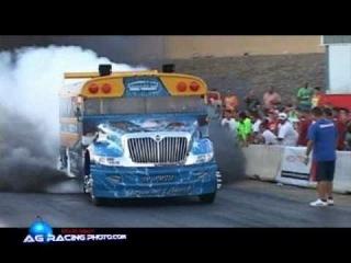 School Bus Vs. Semi Truck Drag Racing Running 11sec.