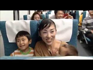 超電導リニア Japanese passengers show extreme excitement as Maglev Train reaches 500km/h (311mph)