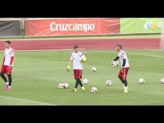 Los dos paradones de David De Gea y su buen rollo con Iker Casillas