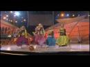 Rangeelo maro dholna American girls Indian performance