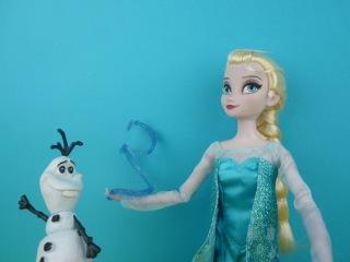 Disney Frozen Queen Elsa Singing Deluxe Feature Doll Review Disney Store Exclusive