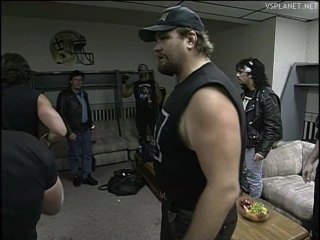 Giant breaks into NWO locker, WCW Monday Nitro