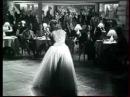 Josette Daydé singing Quand Betty fait boop from the 1945 film 'Le Roi des Resquilleurs