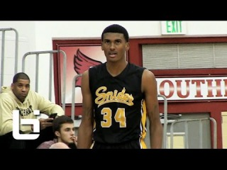 Malik Williams Is More Than Just A 6'11 Shot-Blocker!