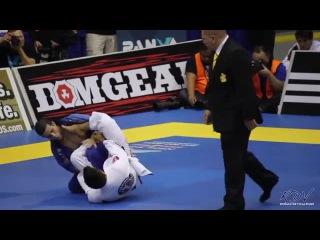Rubens charles cobrinha augusto mendes tanquinho. (рубенс чарльз августо мендес) 2013 pan jj black belt feather semi-final.