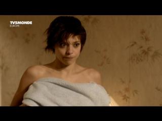 Полностью Раздетая Лиззи Брошере – Пение Невест (2008)
