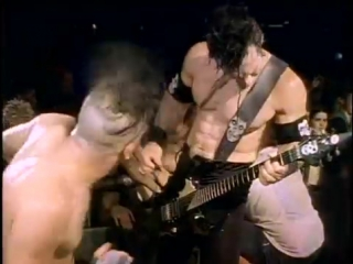 The Misfits - Dig Up Her Bones
