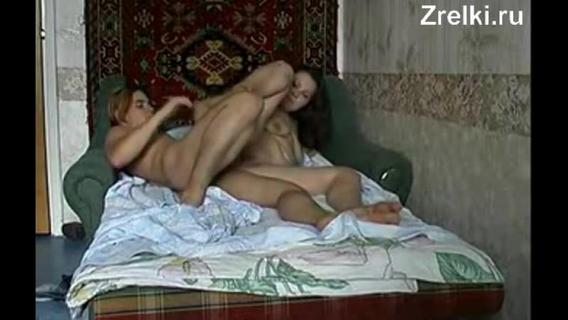 Молодой мальчик жестко трахает в анал зрелую сисястую