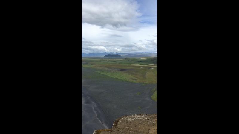 Чорний пляж Ісландія !