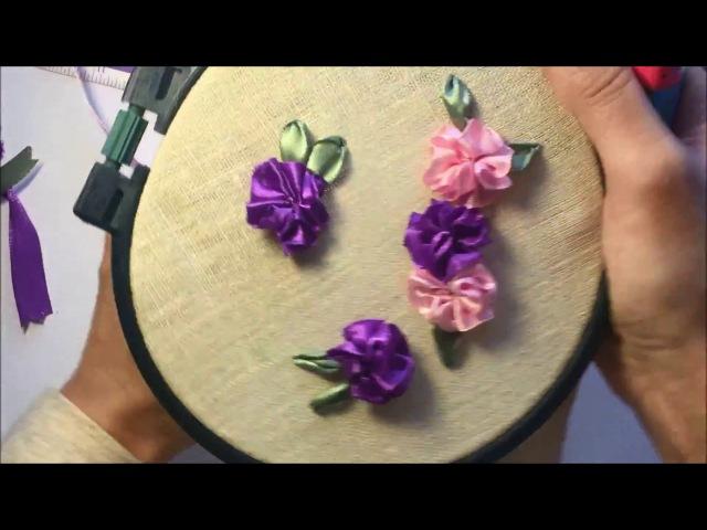 Простой цветок из атласной ленты A simple flower of satin ribbon
