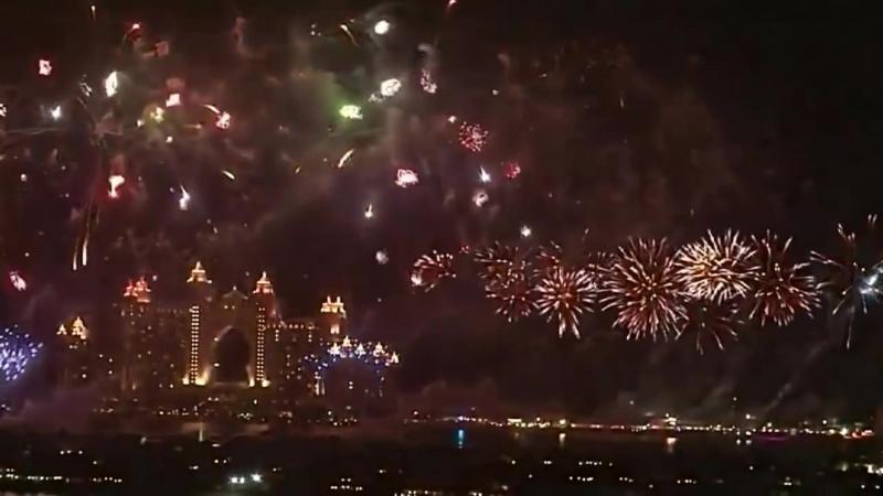 Световое лазерное шоу Башня Бурдж Халифа и Фейерверк в Дубаи 2018