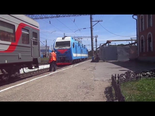 Смена тепловоза ТЭП70-0505 на электровоз ЭП1М-427 на станции Елец. 05.06.2014
