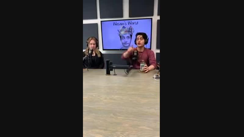 Бритт Робертсон в гостях на Wesams World 16 02 2019
