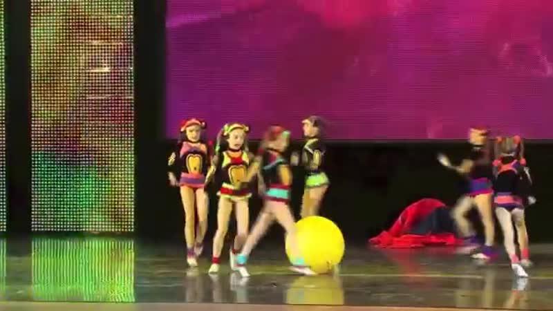Мартышки-коротышки. (Monkeys. Dance). Экситон Елены Барткайтис