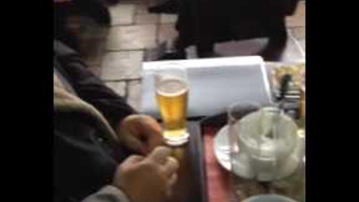 Как батюшки проводят утро в пузатой хате в Запорожье в 11 часов утра