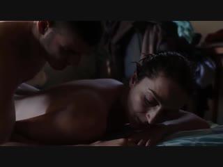 Парниша оприходовал жопу зрелой женщины (анальный секс в фильме, трахнул в жопу, ебет зрелую в очко)