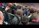 Neymar agride torcedor do Rennes