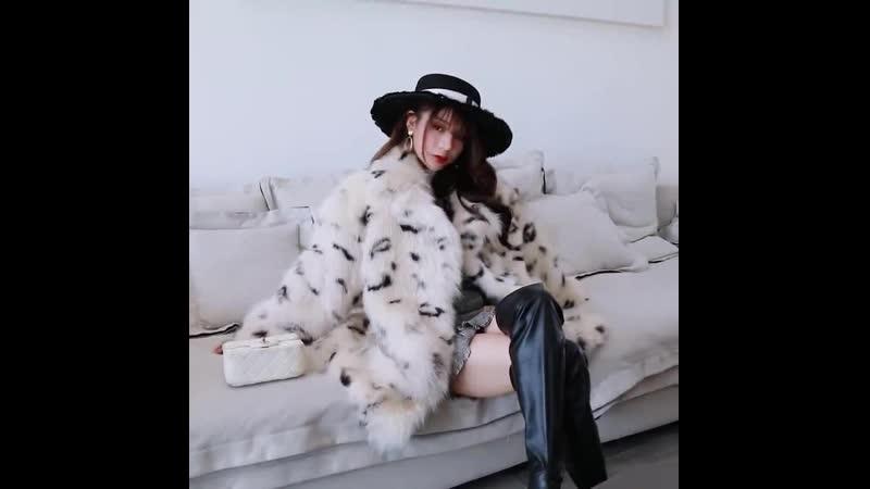 New_Finnish_The_white_fox_furs_coat