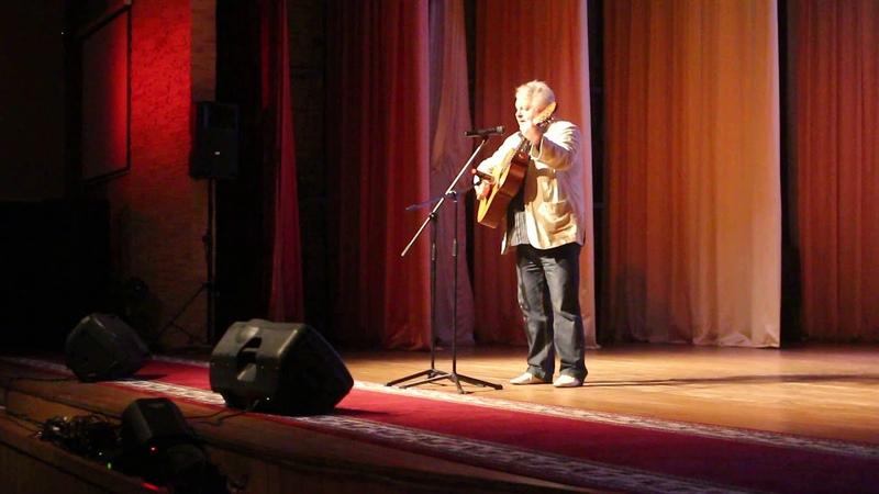 Благотворительный концерт в г.Березино 12ч. 19 июля 2019г. Поёт Юрий Бельский. Беларусь.