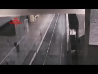 Ghost train caught on cctv at baotou railway station, china.