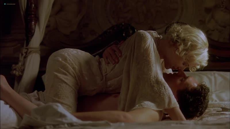 Скарлетт Йоханссон голая - Scarlett Johansson Nude - Хорошая женщина Scarlett Johansson , Helen Hunt - A Good Woman ( 2004 )