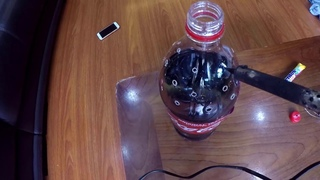 Thử nghiệm tạo pháo hoa từ coca cola và mentos rất tuyệt vời   Phúc ngô TV   coca cola and mentos