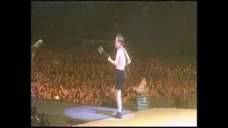 AC DC STIFF UPPER LIP LIVE STADION