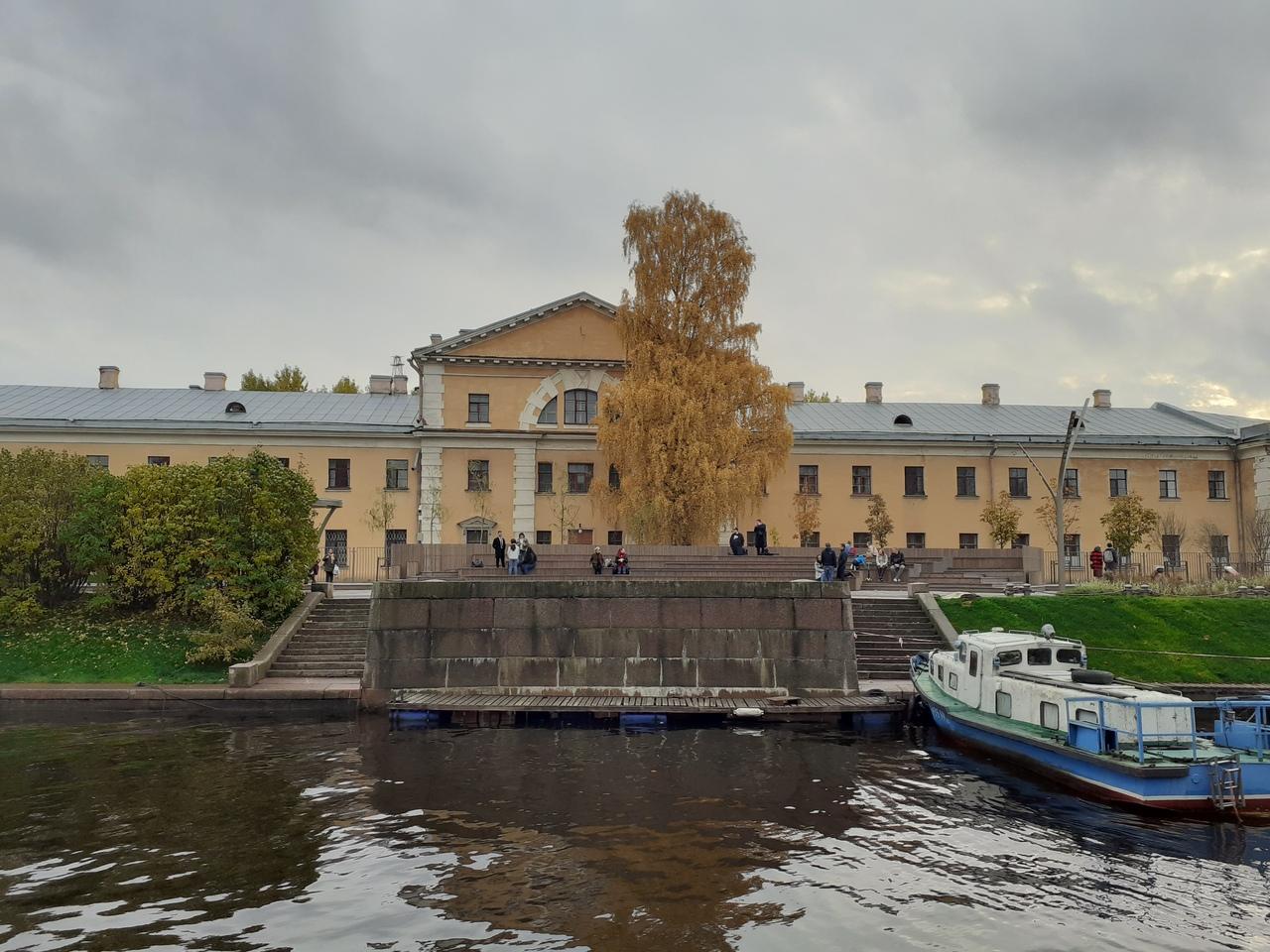 Прогулки по Петербургу. Петроградская сторона. Новая парковая зона на реке Карповке